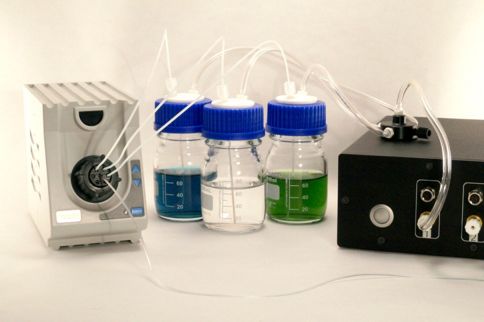 Medium injection & medium perfusion solutions for microfluidics