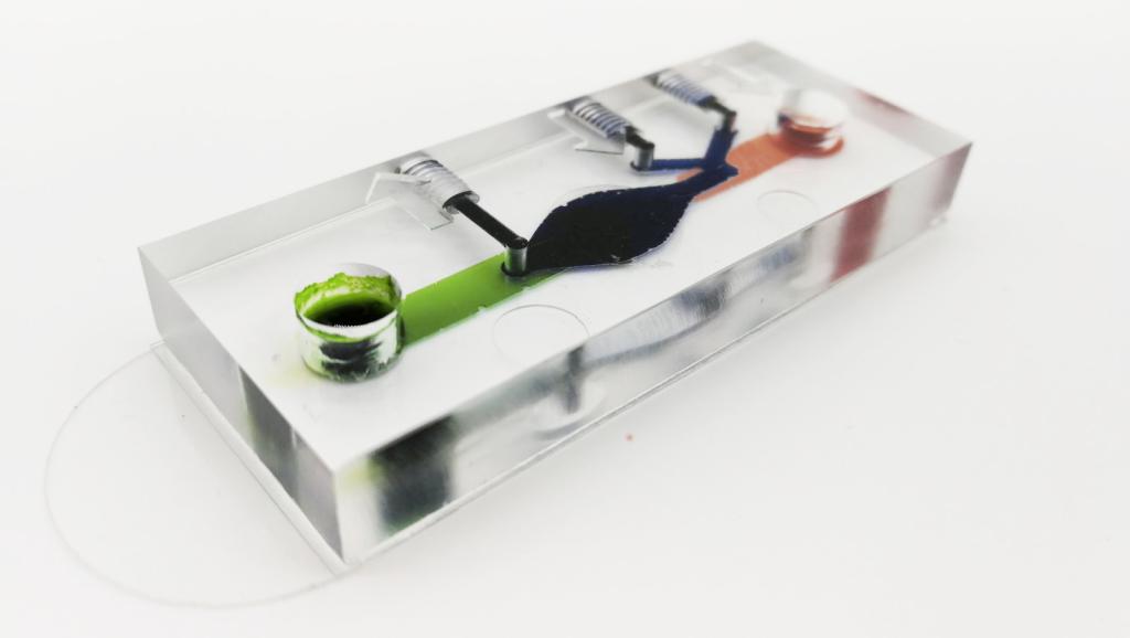 Cherry-Biotech_Microfluidic-chip